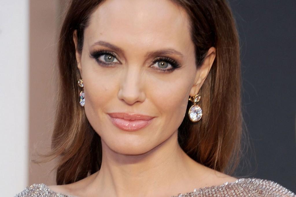 Angelina-Jolie-#belicosa55