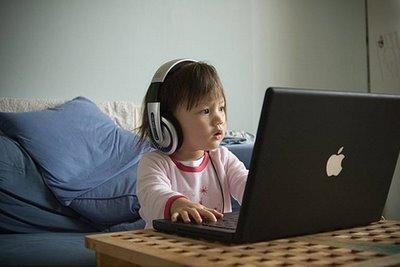 crianca-na-frente-de-um-pc-#belicosa55